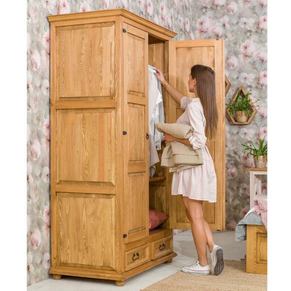 dwudrzwiowa szafa drewniana