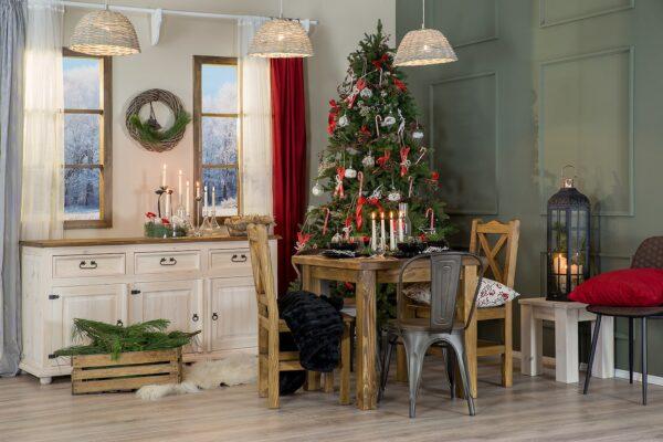 drewniany stół komoda z choinką