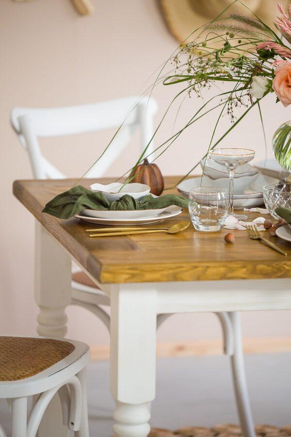 biały stół kuchenny