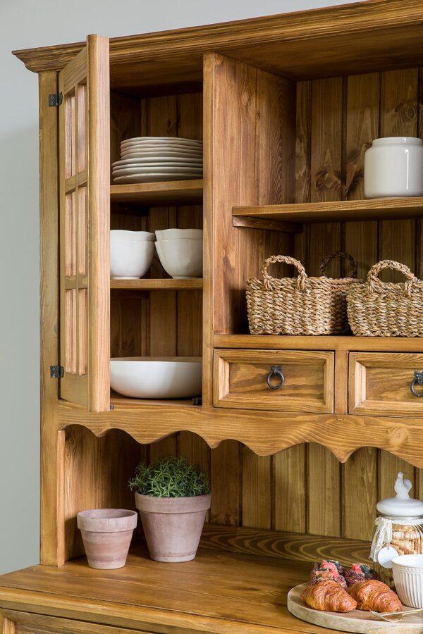 drewniany kredens kuchenny