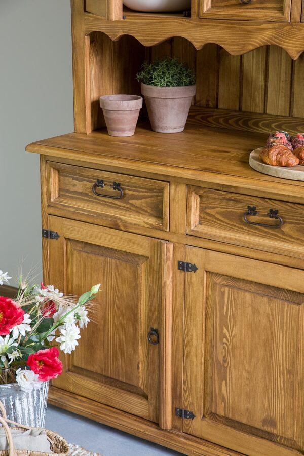 drewniany kredens do jadalni