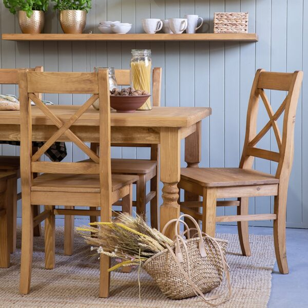 stół drewniany kuchenny z krzesłami